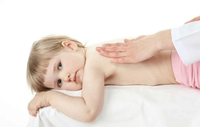 Массаж при кашле для детей: виды, польза, техника проведения в домашних условиях