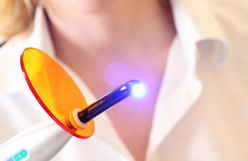 Лечение тонзиллита лазером: показания и противопоказания, как проходит