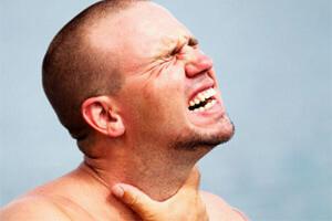 Боль в горле с одной стороны при глотании без температуры: чем лечить