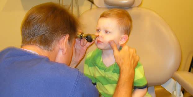 Перелом носа у ребенка: симптомы, признаки и лечение