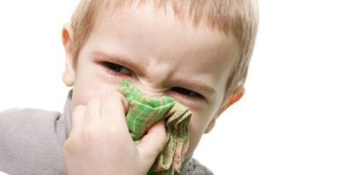 Насморк при прорезывании зубов: лечение, сколько длится