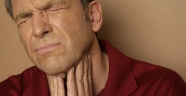 Болит горло при ветрянке: как и чем лечить у взрослых и детей