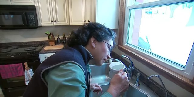 Чем промывать нос при насморке в домашних условиях взрослым и детям