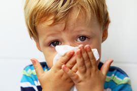 Сопли и температура у ребенка: что делать, чем лечить