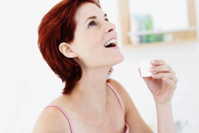 Как полоскать горло Хлоргексидином: инструкция по применению взрослыи и детям
