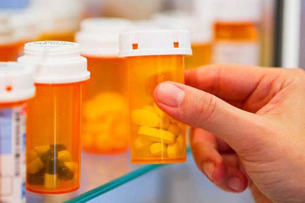 Гастропротекторы: классификация, список популярных препаратов, что лечат