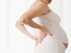 Лейкоциты и бактерии в моче при беременности: причины и лечение