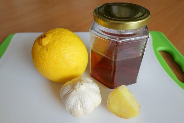 Чистка сосудов чесноком и лимоном, чесночная настойка, рецепты с медом