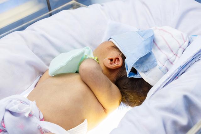 Геморрагическая болезнь новорожденных детей и заболевание у взрослых
