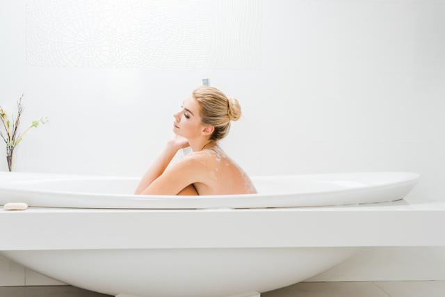 Можно ли во время месячных принимать ванну, душ, мыться