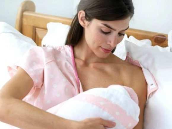 Месячные при грудном вскармливании: могут ли быть, когда начинаются