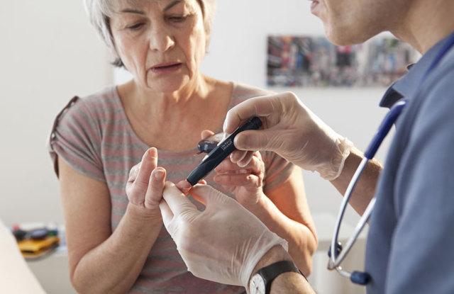 Месячные при эндометриозе: как проходят, может ли быть задержка