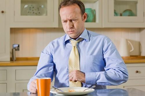 Симптомы рефлюкс эзофагита у взрослых: кашель, ком в горле и другие признаки